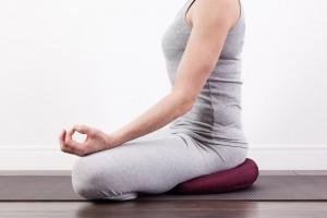 Στρώματα & μαξιλάρια Yoga: Για ποιους λόγους είναι σημαντικά;